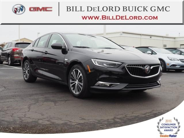 New 2018 Buick Regal Sportback Essence Sedan Near Cincinnati In